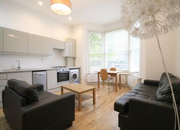 3 bed flat to rent in Hartham Road, Islington N7