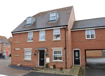 Thumbnail 3 bed town house for sale in Hathersage Close, Grantham