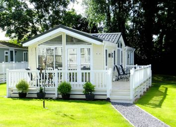 Thumbnail 2 bed mobile/park home for sale in Holywell Road, Rhuallt, St. Asaph