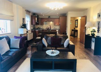 Thumbnail 2 bedroom flat to rent in Bute Crescent, Cardiff