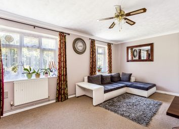 3 bed maisonette to rent in Stroud Crescent, London SW15