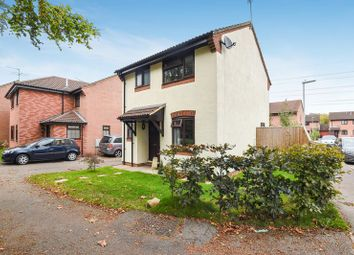 Thumbnail 3 bed detached house for sale in Rotherfield Close, Theale, Reading