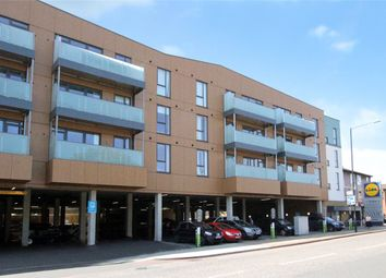 Thumbnail 2 bedroom flat for sale in Summit House, Glebe Way, West Wickham, Kent