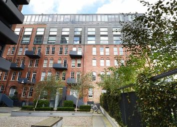 Thumbnail 2 bedroom flat to rent in Green Walk, London