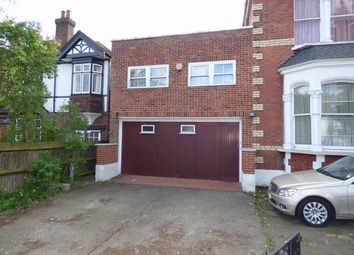 Thumbnail 4 bed property to rent in Creswick Road, London