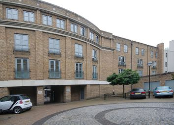 Thumbnail 2 bed flat to rent in Roberts Court, Essex Road, Angel