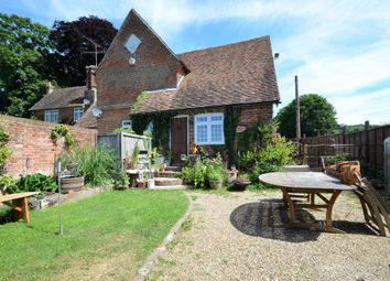 Maple Cottage, Pett Lane, Charing, Ashford, Kent TN27. 2 bed cottage
