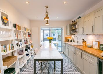 Thumbnail 3 bed property to rent in Colmer Road, London
