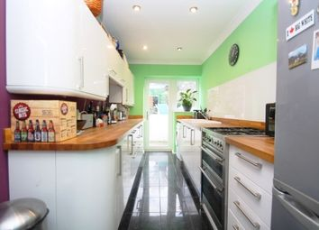 Thumbnail 1 bed flat to rent in Goldstone Villas, Hove