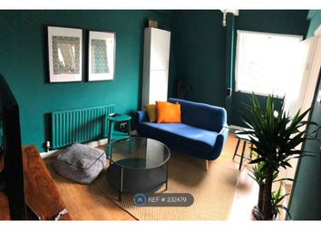 3 bed maisonette to rent in Smithy Street, London E1