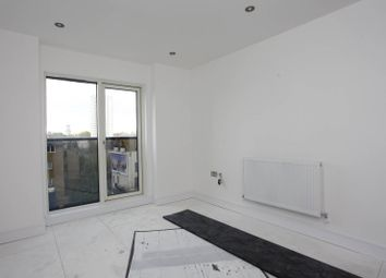 Thumbnail 2 bed flat to rent in City Courtyard, Whitechapel