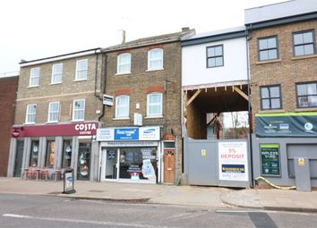 2 bed flat to rent in Turners Hill, Cheshunt, Hertfordshire EN8