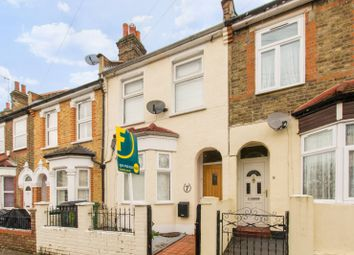 2 bed property to rent in Worcester Road, Walthamstow, London E17