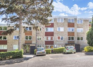 2 bed flat to rent in Haling Park Road, South Croydon CR2