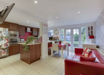 3 bed terraced house for sale in High Road, Whetstone, London N20