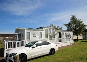 Thumbnail 2 bedroom bungalow for sale in Highfield Grange, London Road, Clacton On Sea