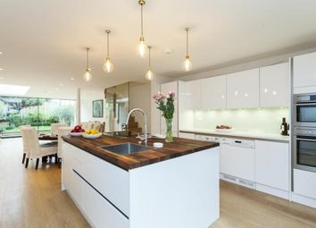 Thumbnail 4 bedroom property to rent in New Kings Road, Fulham