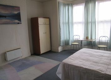 Thumbnail Room to rent in Showell Green Lane, Sparkhill, Birmingham