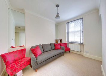 Thumbnail 1 bed flat to rent in Gosfield Street, London