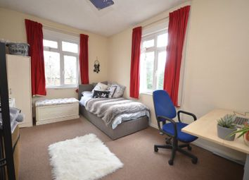 Thumbnail 4 bed flat to rent in Upper Hale Road, Farnham, Surrey