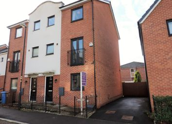 Thumbnail 5 bed town house for sale in 15 Shillingford Road, Chadderton
