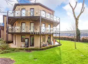 3 bed flat for sale in Davis House, Huguenot Drive, London N13