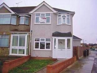 Thumbnail 4 bed end terrace house to rent in Gresham Drive, Romford