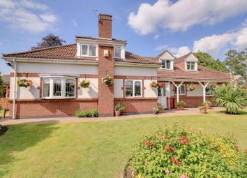 Thumbnail 3 bed detached house for sale in Wayside Close, Bottesford, Scunthorpe