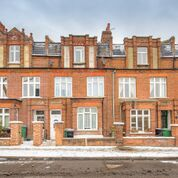 Thumbnail 5 bed terraced house for sale in Agincourt Road, London
