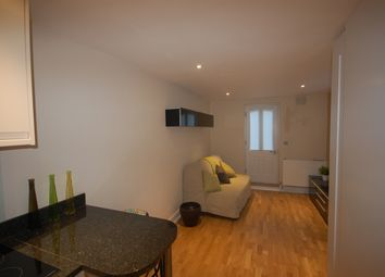 Thumbnail Studio to rent in Somerfield Rd, Finsbury Park