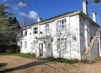 Thumbnail 2 bed flat for sale in 79 Bishopstoke Road, Eastleigh, Hampshire