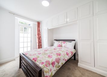 Thumbnail 1 bed flat to rent in Oakley Street, South Kensington