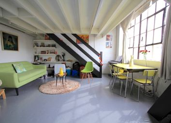 Thumbnail 1 bed flat to rent in Canalside Studios, Orsman Road, Shoreditch