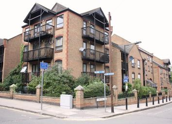 Thumbnail 2 bed flat to rent in Horseshoe Close, Docklands, London