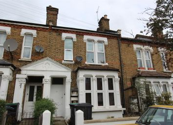 3 bed flat to rent in Hermitage Road, Finsbury Park N4