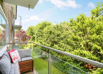Thumbnail 2 bed flat to rent in Hillbrow Road, Esher