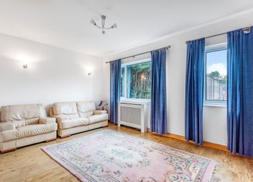 2 bed maisonette for sale in Holden Road, North Finchley, London N12
