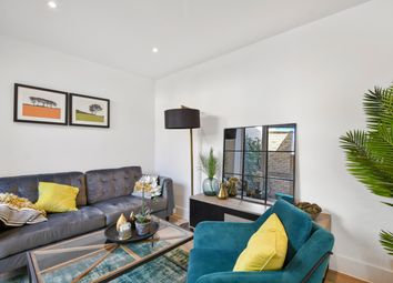 Thumbnail 3 bed flat for sale in Kempton Mews, London