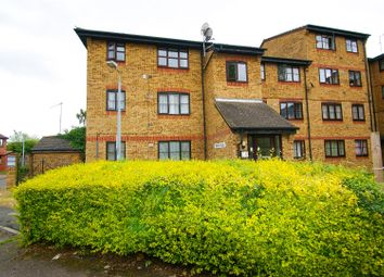 Thumbnail 1 bedroom flat for sale in Crest Avenue, Grays