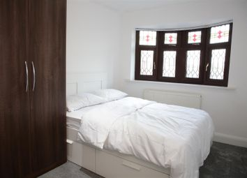 Thumbnail Studio to rent in Craven Gardens, Barkingside, Ilford
