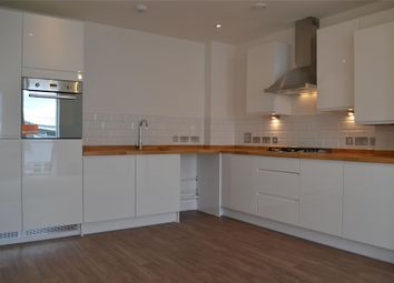 Thumbnail 1 bed flat to rent in Barns Road, Oxford