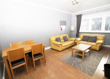 2 bed flat to rent in Thornwood Gardens, Thornwood, Glasgow G11