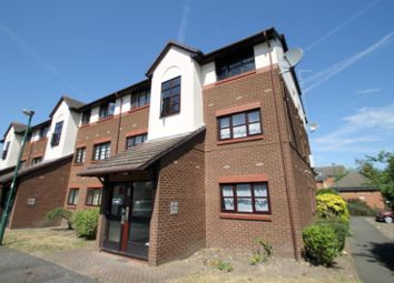 Thumbnail 1 bed flat to rent in Foxglove Way, Wallington