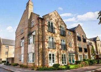 2 bed flat to rent in Coldstream Road, Caterham CR3