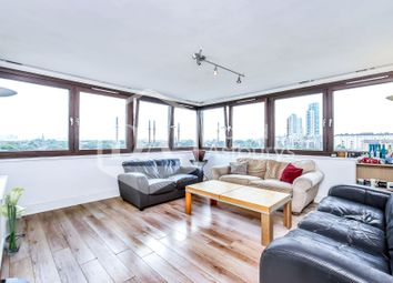 Thumbnail 3 bed flat to rent in Bethune Road, London