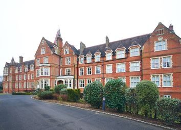 Thumbnail 2 bed flat to rent in Wolfs Row, Oxted
