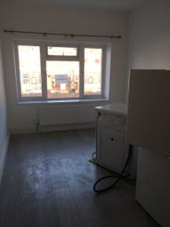 Thumbnail 3 bed flat to rent in Baylis Parade, Slough