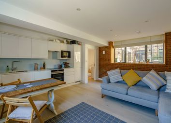 Thumbnail 1 bed flat to rent in St. James's Road, London
