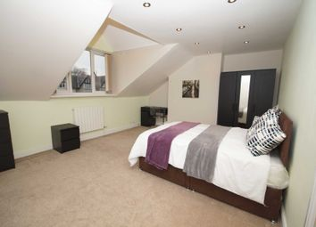 Thumbnail Room to rent in Room 6, Somerset Road, Heaton