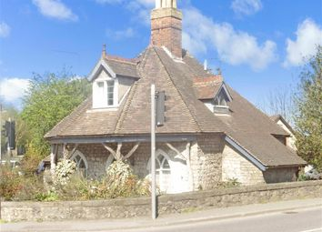 3 bed property for sale in London Road, Aylesford, Kent ME20